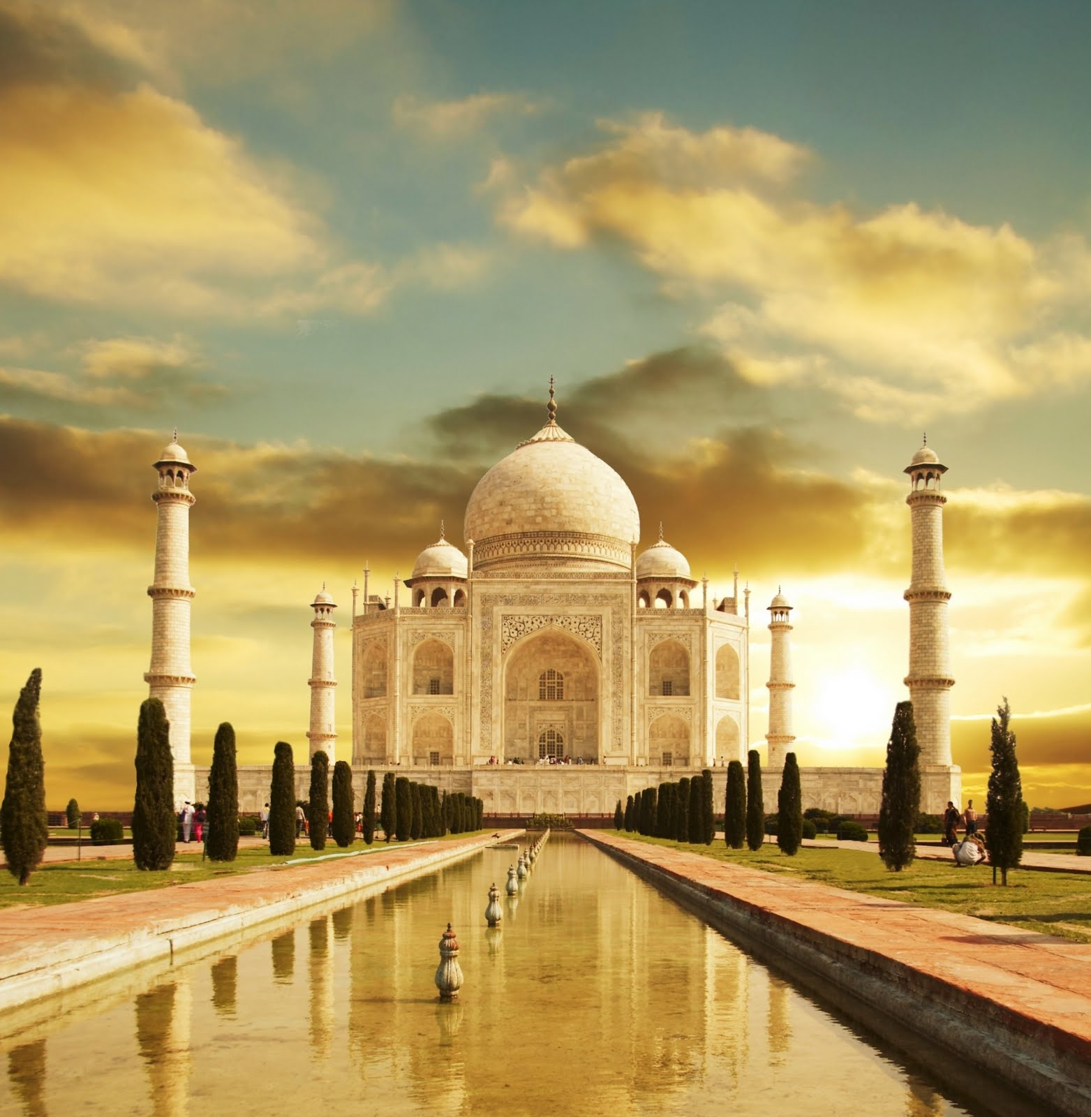 taj mahal essay english  short essay on taj mahal